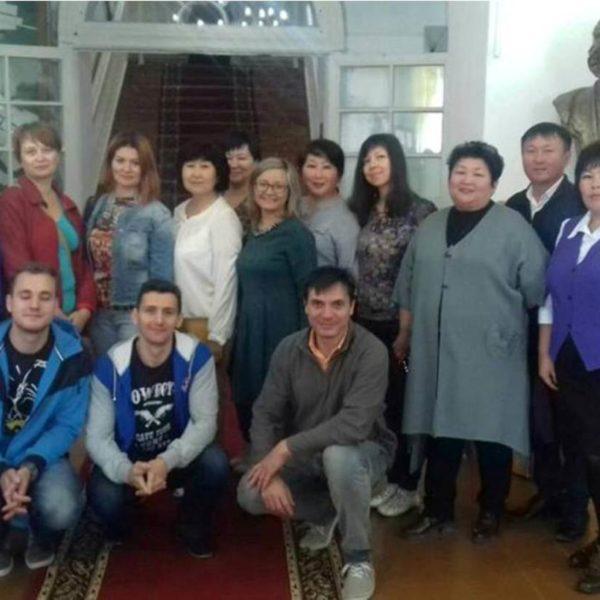 Съемочная группа программы «Пока все дома» посетила Кяхтинский краеведческий музей им. ак. В.А. Обручева