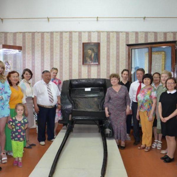 В Кяхтинском краеведческом музее состоялось открытие новой выставки «Святыни Кяхты-Троицкосавска»