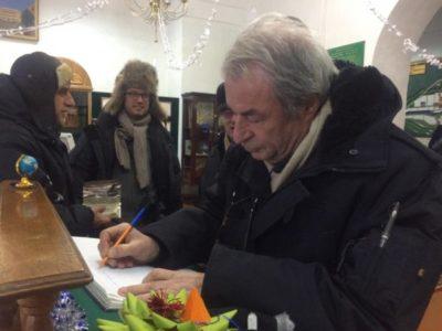Известный киноактер Венсан Перез побывал в Кяхтинском краеведческом музее
