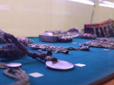 В Кяхтинском краеведческом музее состоялась презентация выставки «Бурятский традиционный костюм: история, культура, локальные особенности»