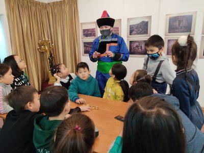 В Филиале Кяхтинского краеведческого музея в городе Улан-Удэ состоялось праздничное мероприятие – «Сагаалха встречает гостей».