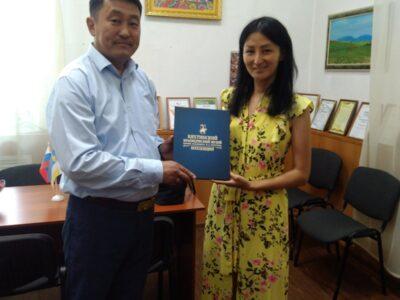 Известная уроженка Бурятии — Есуна Дугарова посетила  Кяхтинский краеведческий музей
